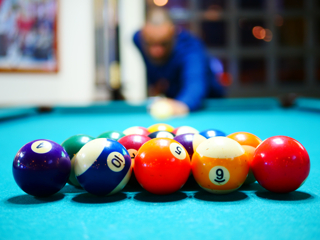 sell a pool table in Seattle