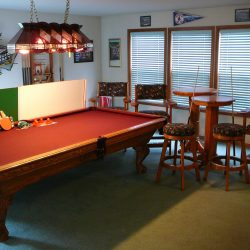 9 foot pool table and pool room furniture